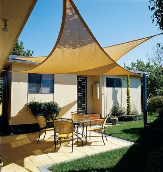 Merveilleux Deck Sails Are A Picturesque Way To Add Shade To Your Deck. Similar To  Their Nautical Counterparts, A Deck Sail Is A Piece Of Durable Fabric That  Is ...