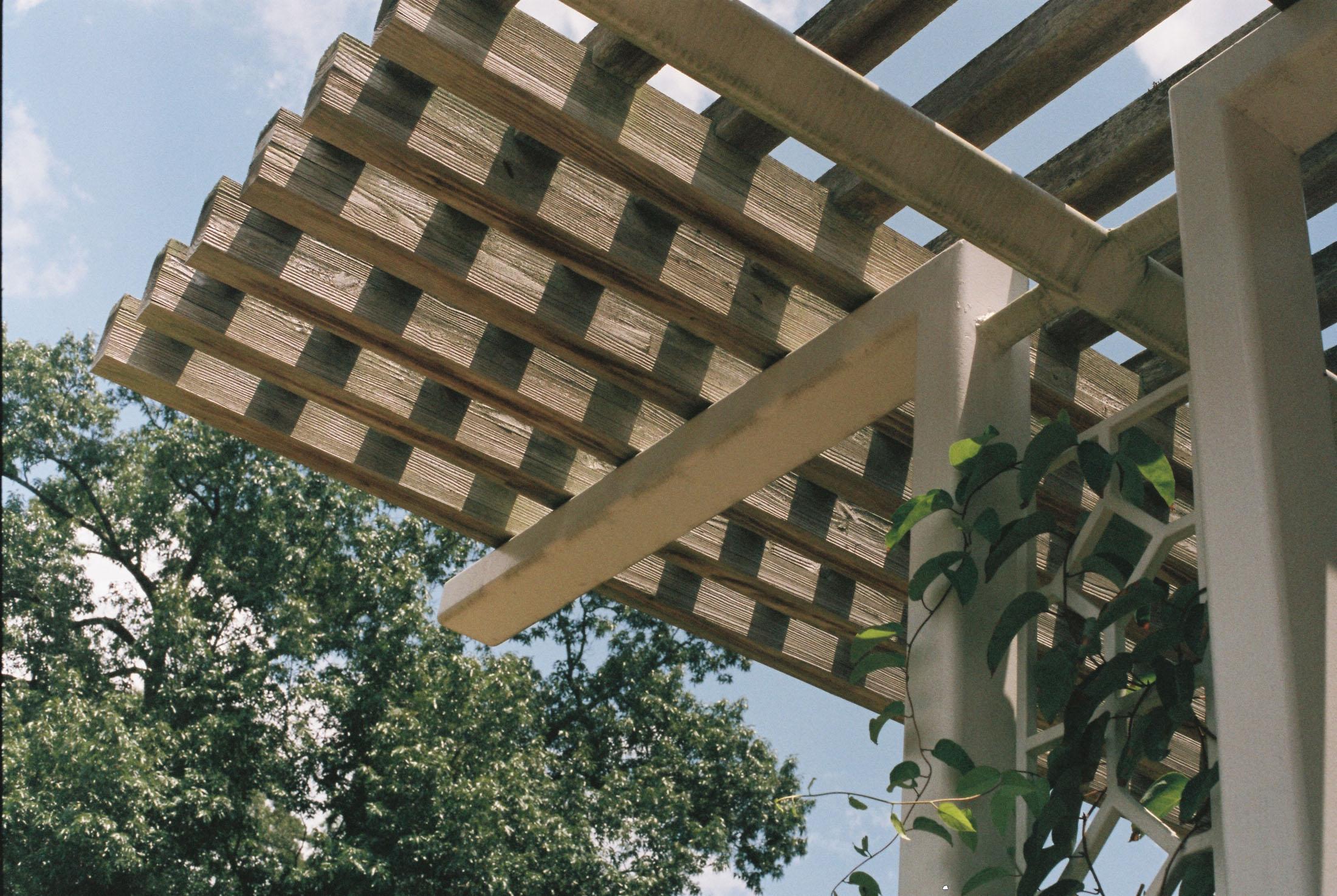 pergola shading deck