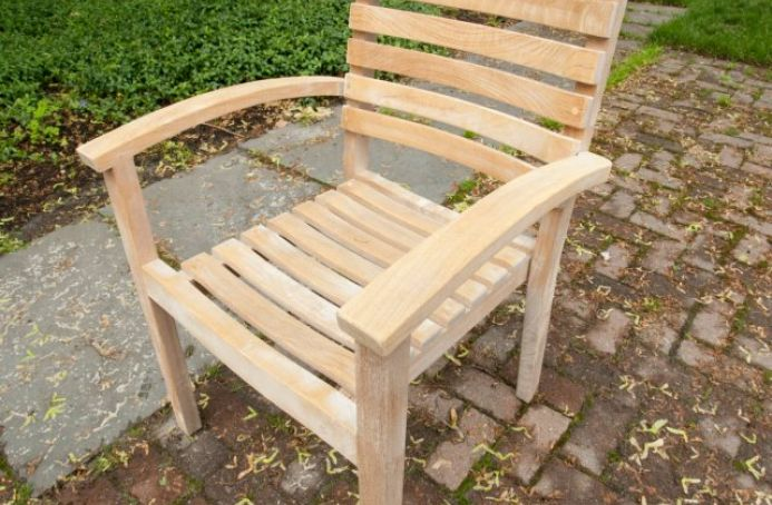 Teak Furniture with a Clear Sealer