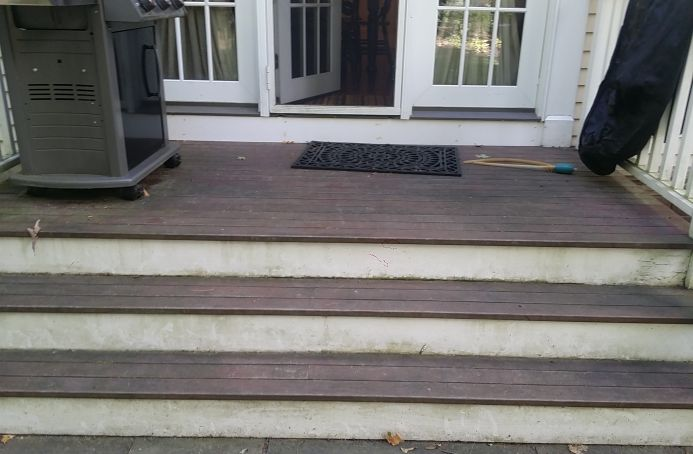Mahogany Deck with Natural Tone Sealer